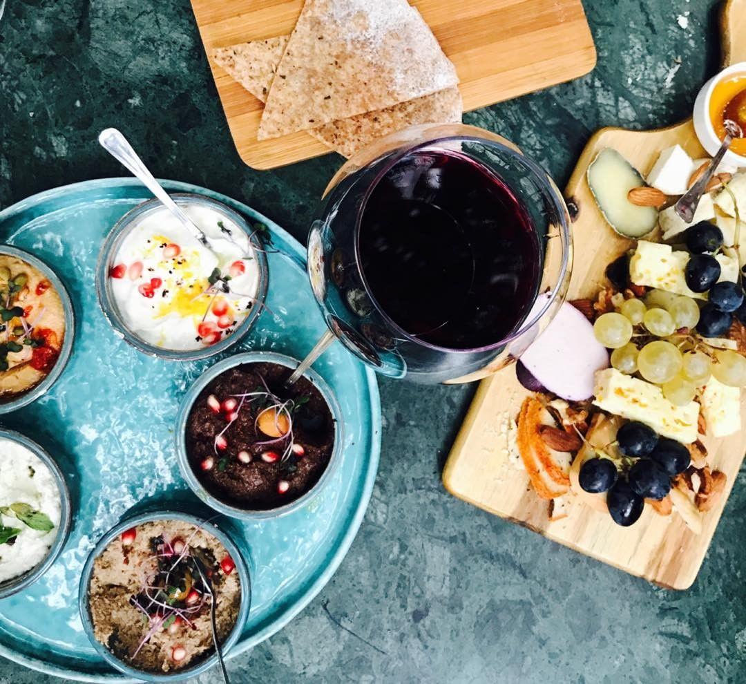 Черное вино — новый тренд в мире алкоголя-Фото 1