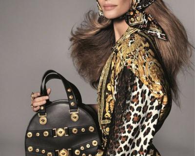 В честь Джанни Версаче: новый рекламный кампейн Versace-430x480