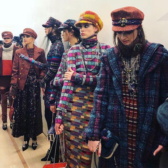 Макияж и плетения, как на показе Chanel Métiers d'Art Show-Фото 2