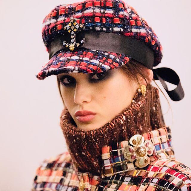 Макияж и плетения, как на показе Chanel Métiers d'Art Show-Фото 3