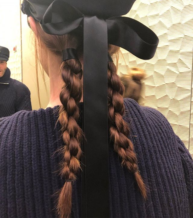 Макияж и плетения, как на показе Chanel Métiers d'Art Show-Фото 4