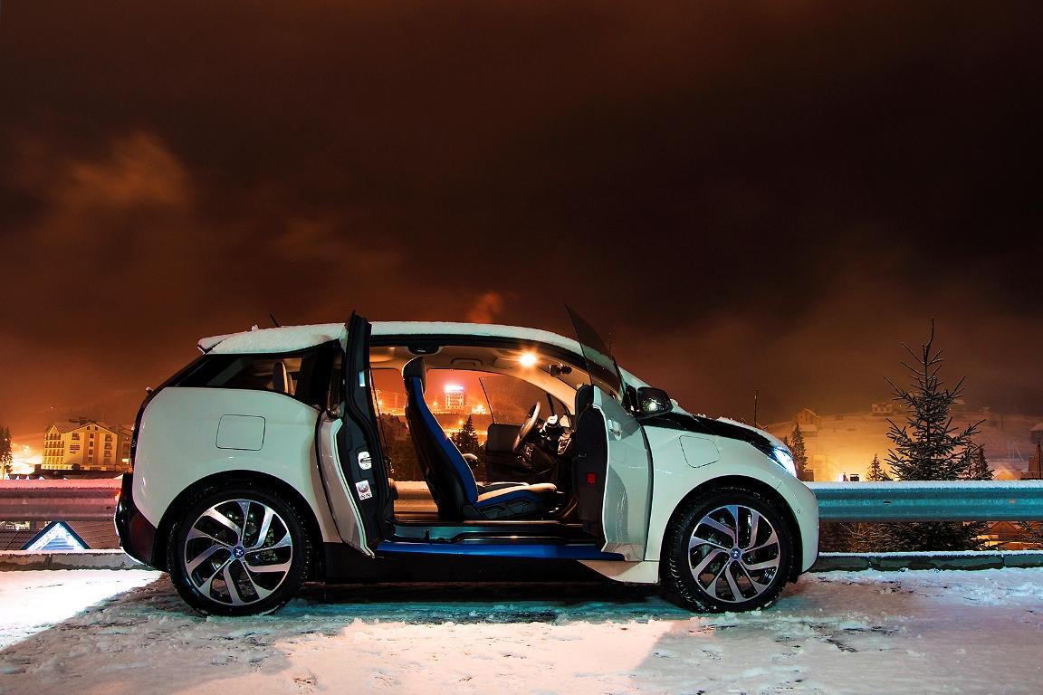 За рулем: тест-драйв электрокара BMW i3-Фото 5