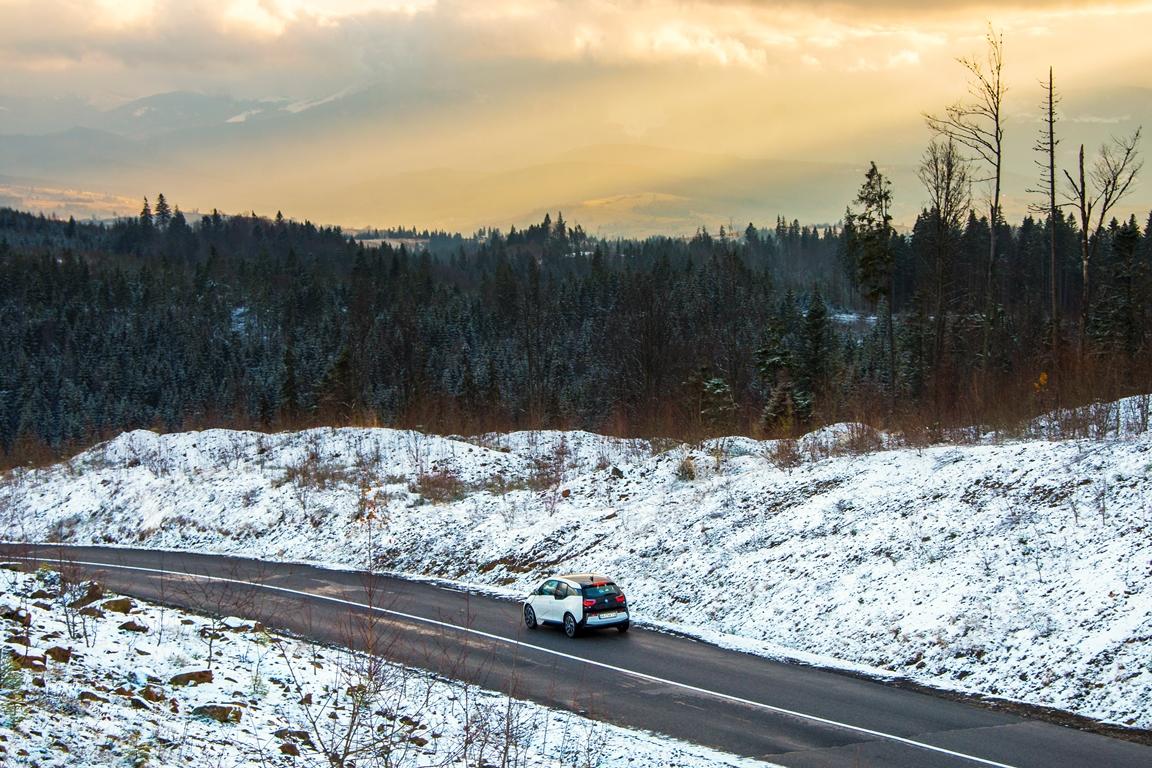 За рулем: тест-драйв электрокара BMW i3-Фото 1