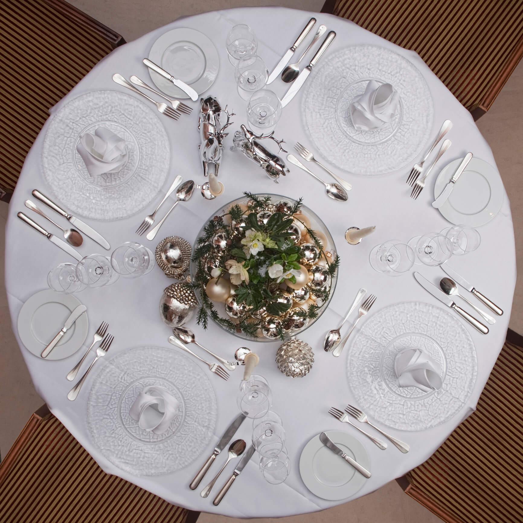 Новогодний переполох: как красиво украсить праздничный стол-Фото 3