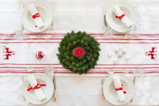 Новогодний переполох: как красиво украсить праздничный стол