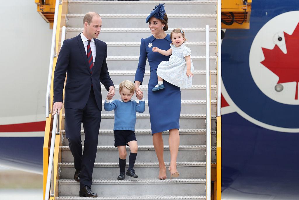 Дресс-код королевской семьи: шляпки Елизаветы II и шорты принца Джорджа-Фото 4