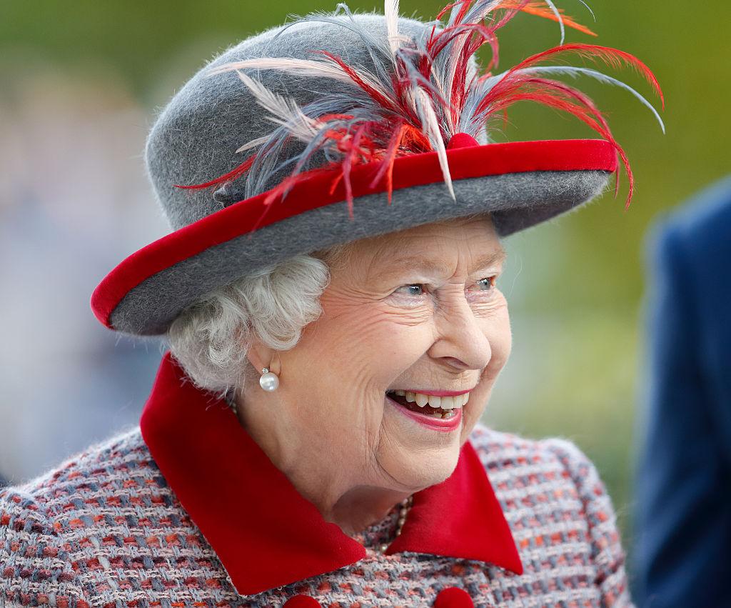Дресс-код королевской семьи: шляпки Елизаветы II и шорты принца Джорджа-Фото 2