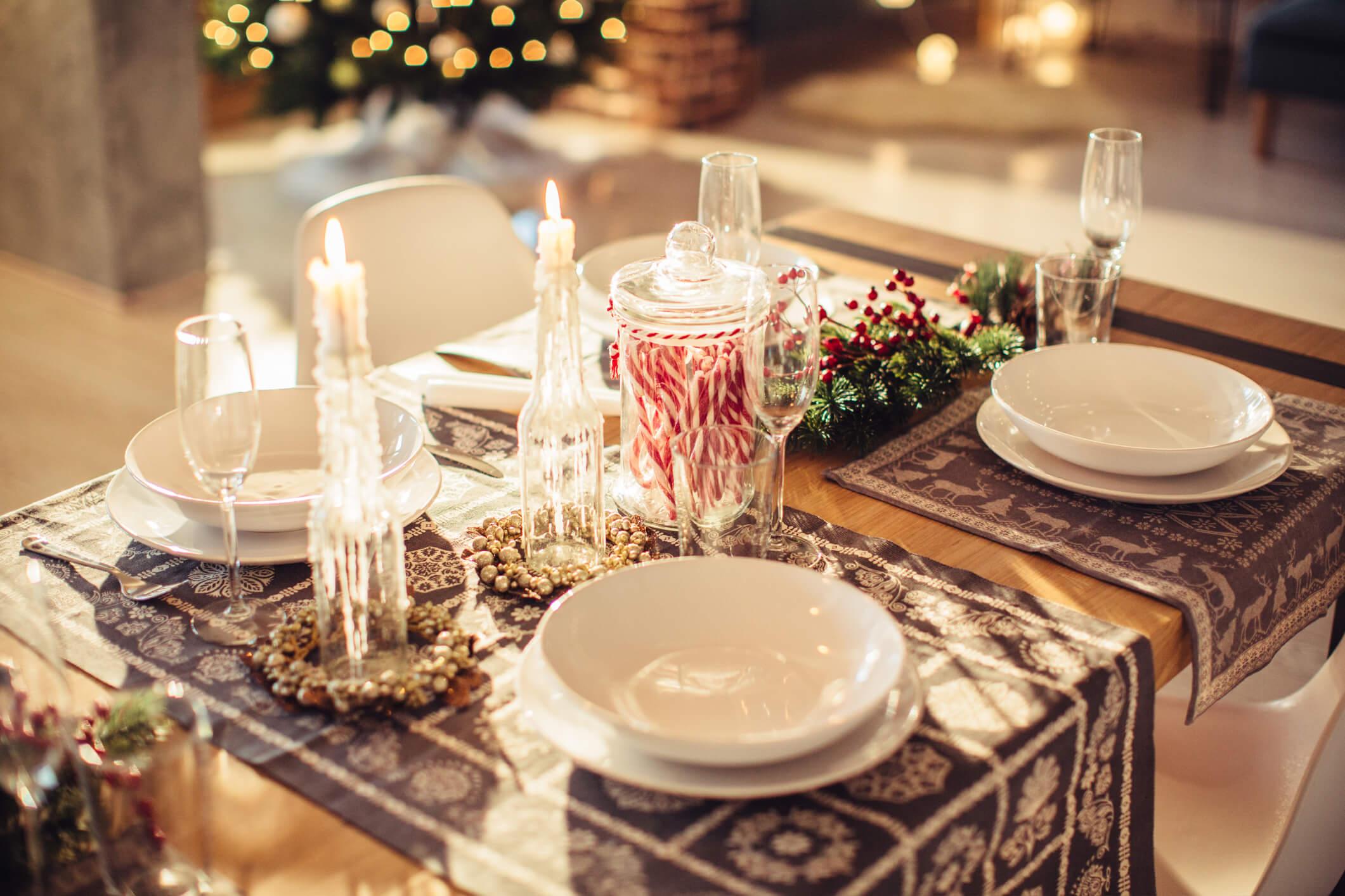 Новогодний переполох: как красиво украсить праздничный стол-Фото 5