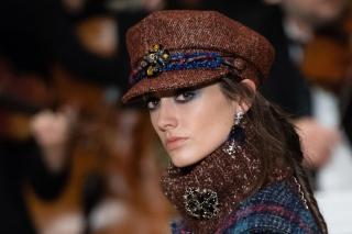 Макияж и плетения, как на показе Chanel Métiers d'Art Show
