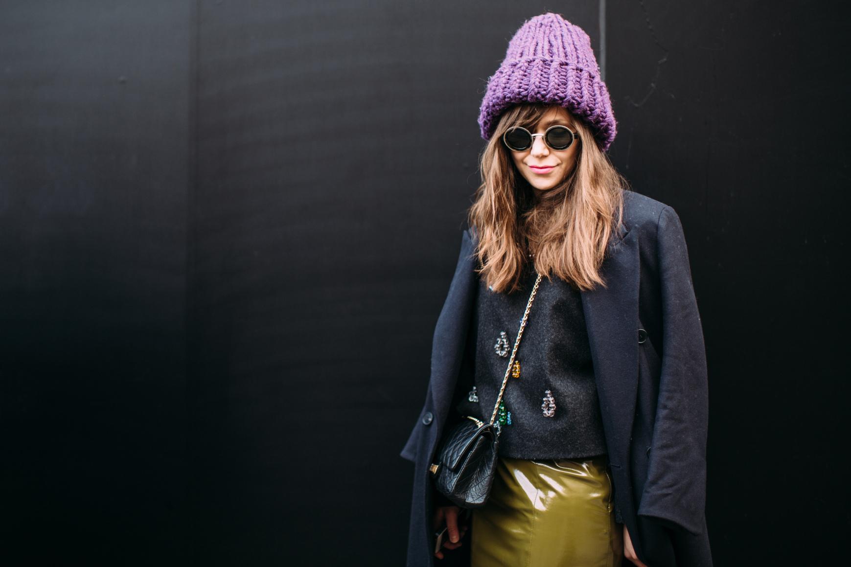 Какую выбрать: самые модные шапки сезона-320x180