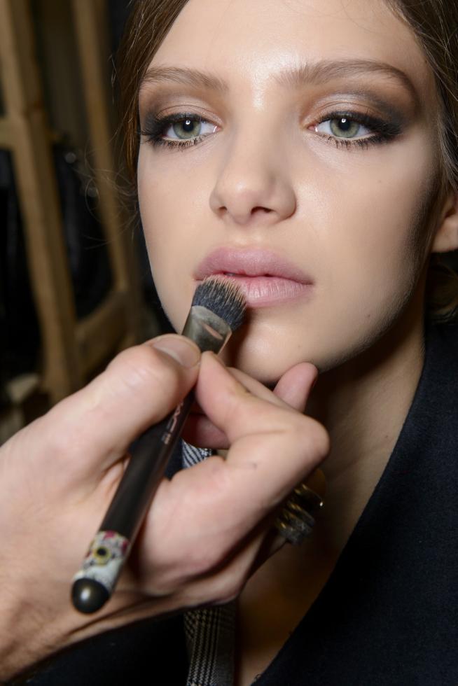 Как сделать новогодний макияж стойким: 7 лайфхаков-Фото 3