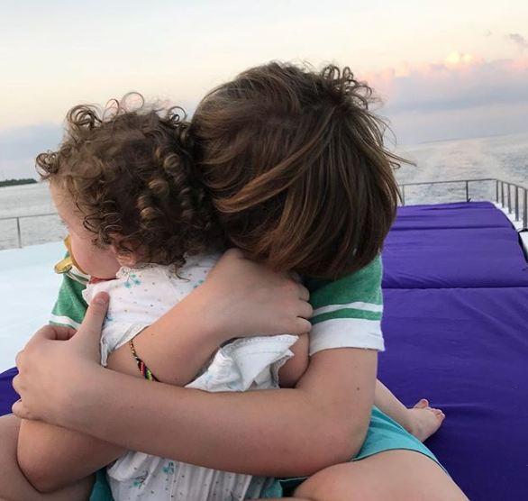Лив Тайлер с возлюбленным и детьми отдыхают на Мальдивах-Фото 2