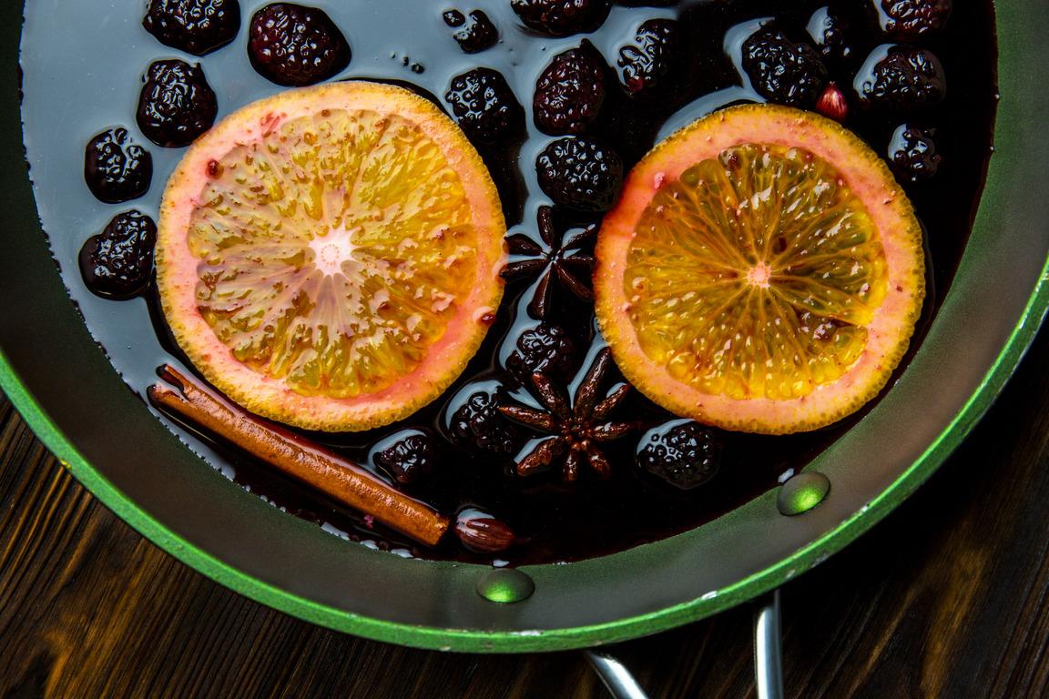Необычные рецепты для новогоднего стола от Евгения Клопотенко