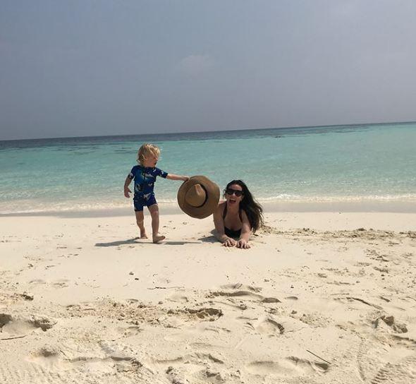 Лив Тайлер с возлюбленным и детьми отдыхают на Мальдивах-Фото 7