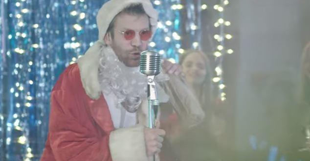 Пьяный Дед Мороз: Иван Дорн презентовал клип-пародию-Фото 1