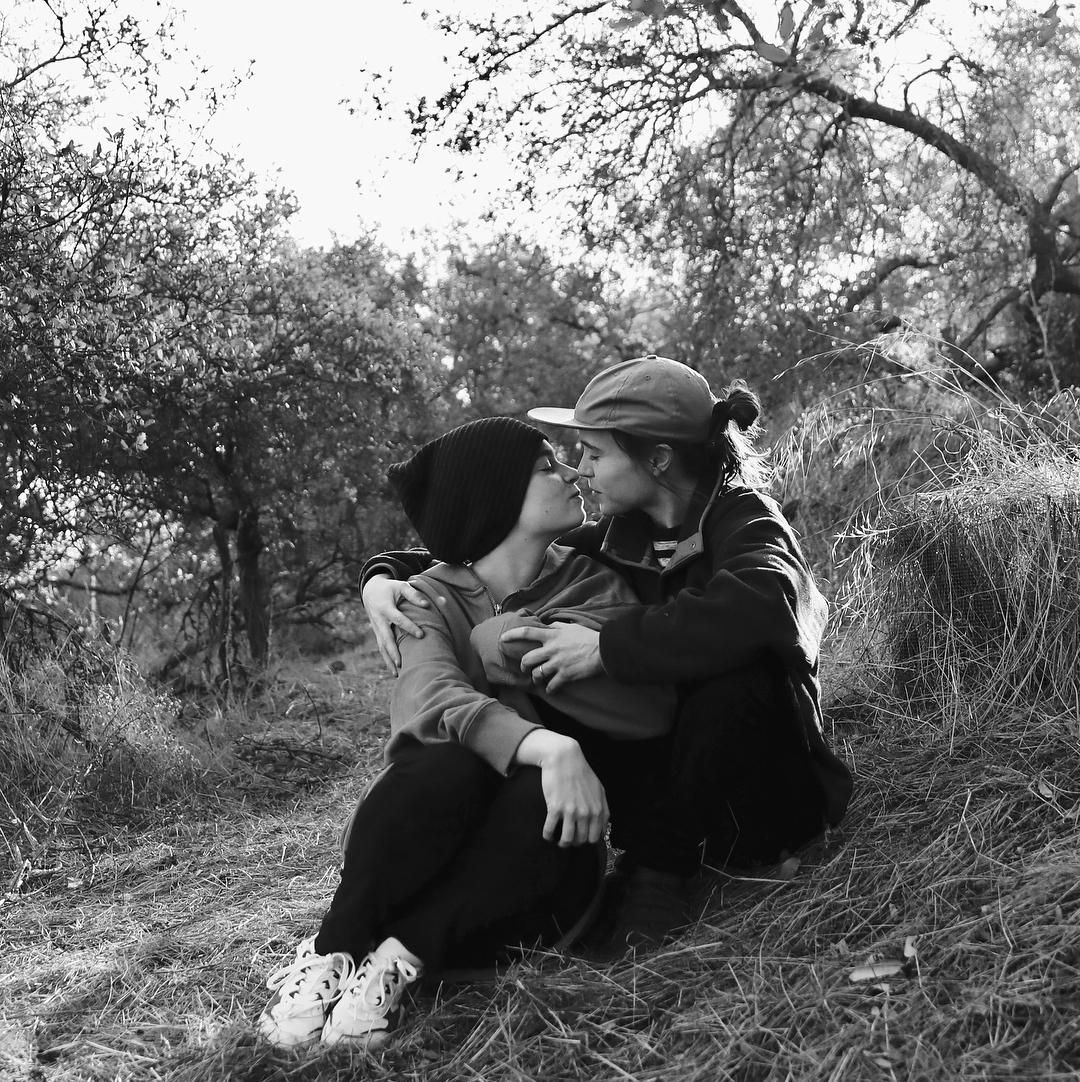 Эллен Пейдж и Эмма Портнер узаконили свой союз-Фото 1