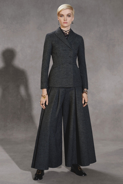 Разрушая стереотипы: новая коллекция Christian Dior pre-fall 2018-320x180