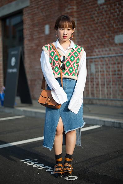 Асимметричная джинсовая юбка фото