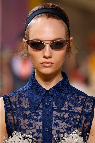 Модный тренд из Instagram: как носить очки «привет из 90-х»-Фото 3