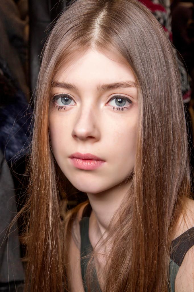 Как выпрямить волосы без утюжка: 7 секретов стилистов-Фото 2