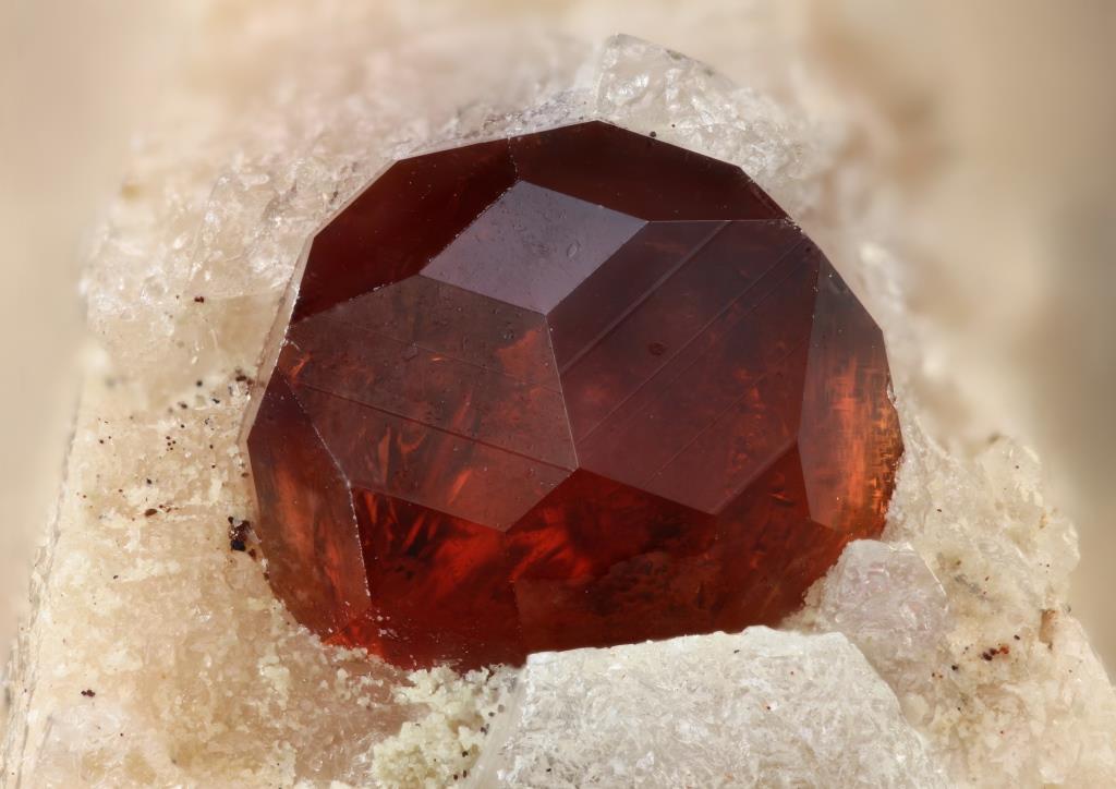 Модные кристаллы
