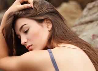 Жирные волосы: причины и методы лечения