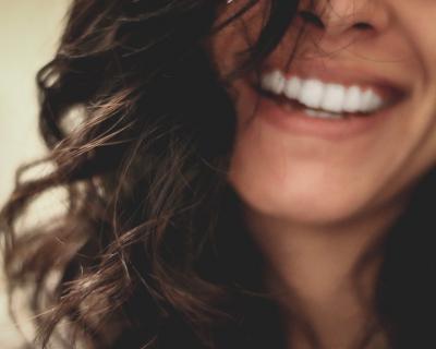 ТОП-3 натуральных средства для отбеливания зубов-430x480