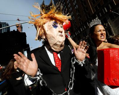 В США прошел второй «Марш женщин» против Трампа-430x480