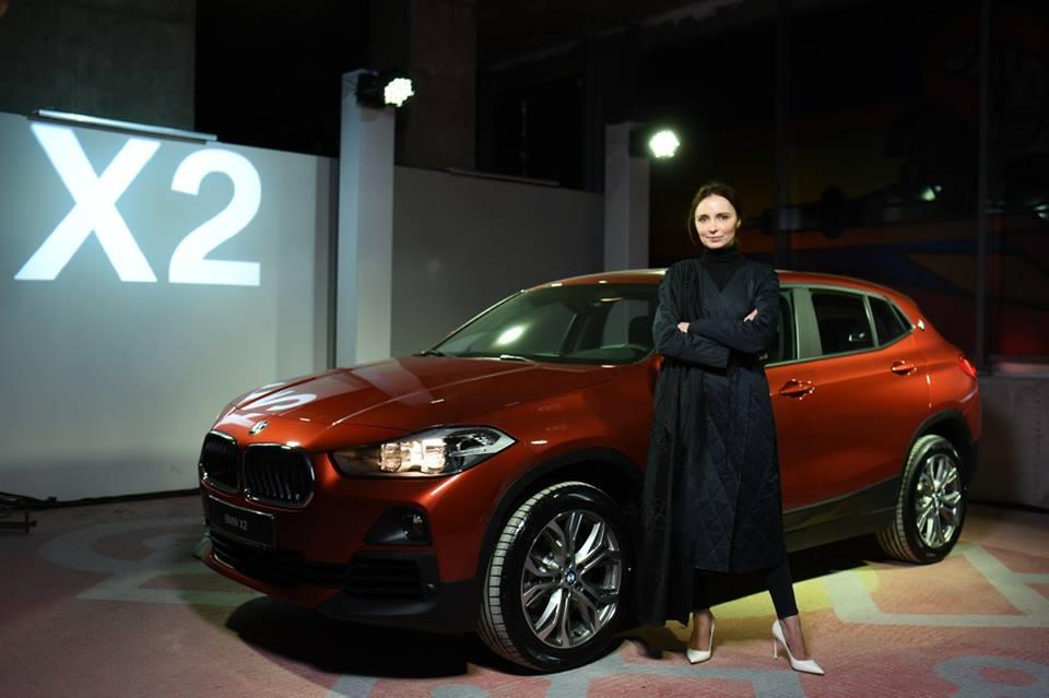 BMW X2 стал официальным автомобилем недели моды прет-а-порте Ukrainian Fashion Week-320x180
