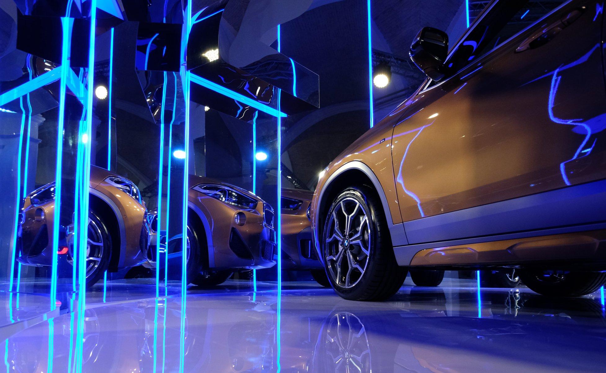BMW X2 стал официальным автомобилем недели моды прет-а-порте Ukrainian Fashion Week-Фото 2