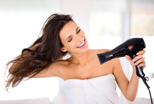 Как правильно сушить волосы феном фото 3