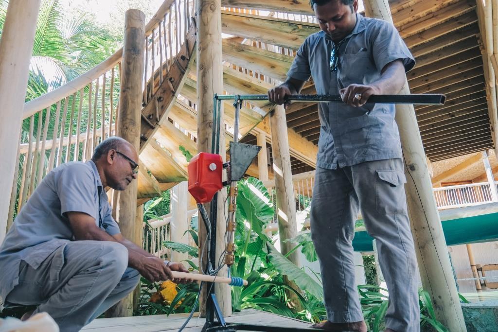 Курорты Soneva запускают «Программу Творцов» и представляют систему переработки пластика на Мальдивах-Фото 3