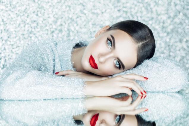 Как гормоны влияют на нашу кожу в разном возрасте