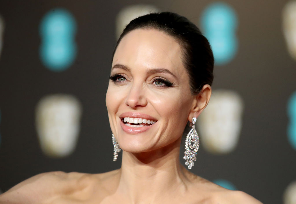 Анджелина Джоли рассказала, как жить полноценной жизнью-320x180