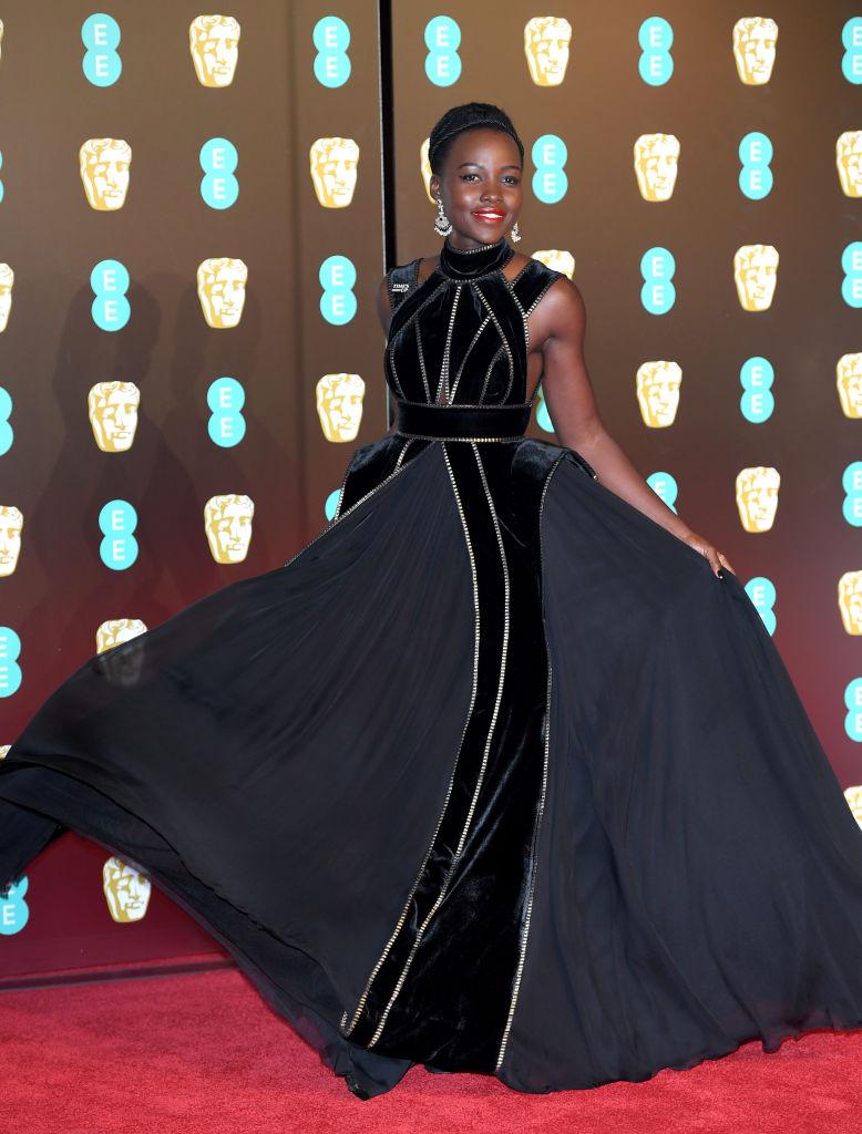 Против сексуальных домогательств: кто надел черный наряд на премию BAFTA-320x180