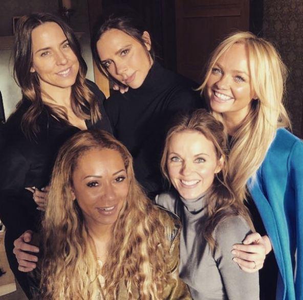 Spice Girls споют на свадьбе принца Гарри и Меган Маркл-320x180