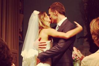 Жизель Бюндхен показала архивные фото со свадьбы с Томом Брэди