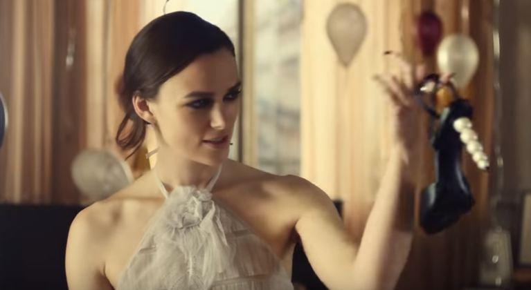 Кира Найтли повторила роль обольстительницы в рекламе Chanel-Фото 1