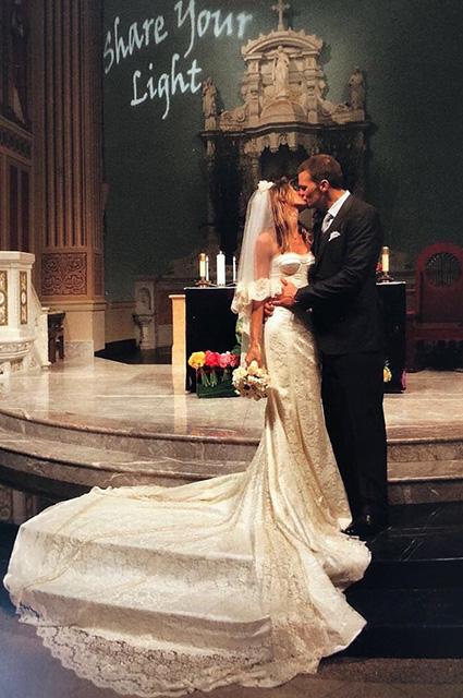 Жизель Бюндхен показала архивные фото со свадьбы с Томом Брэди-Фото 1