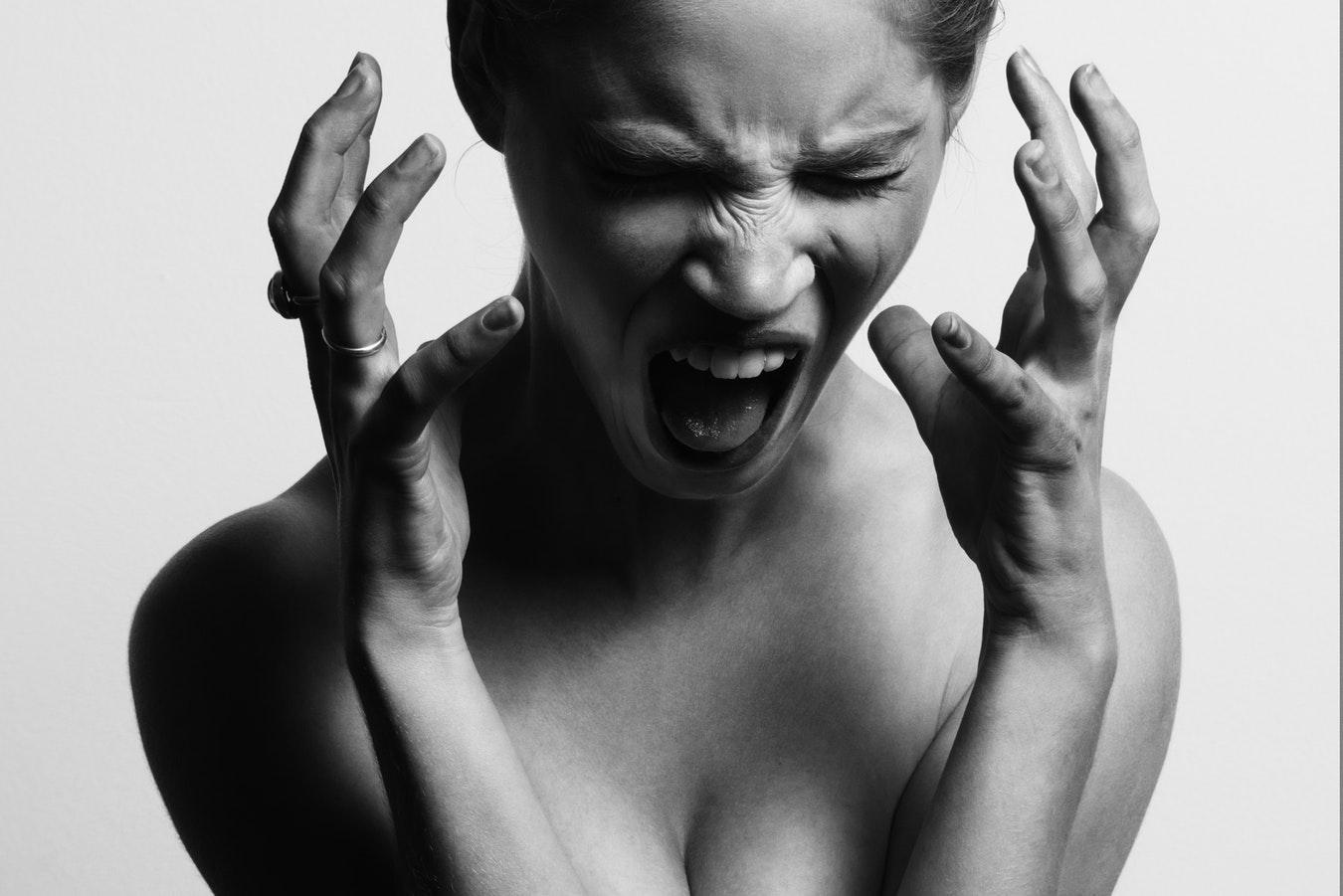 Как научиться контролировать свой гнев-320x180