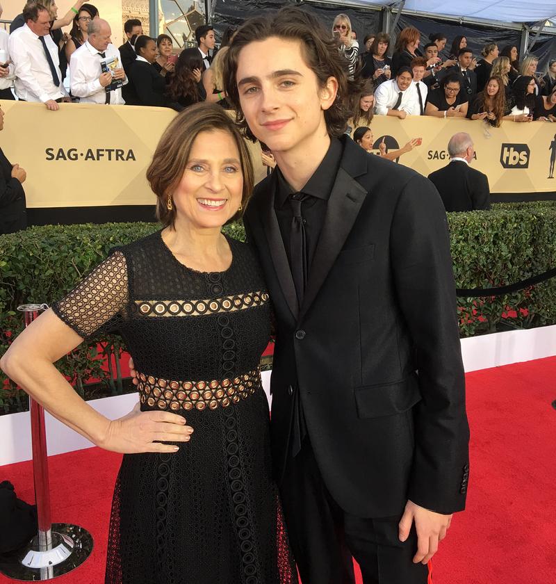 Тимоти Шаламе с мамой фото