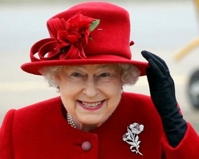 Праздник по-королевски: кого Елизавета II пригласила на день рождения-430x480