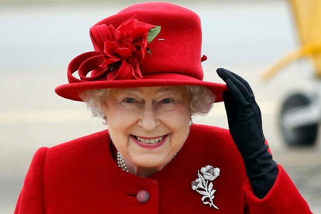 Праздник по-королевски: кого Елизавета II пригласила на день рождения-320x180