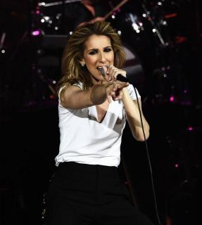Селин Дион отменила концерты из-за операции
