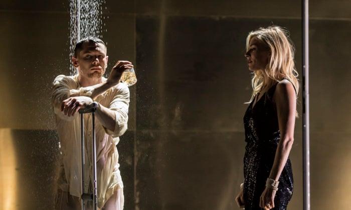В кино и на сцене: звезды, которые играют в театре-Фото 2