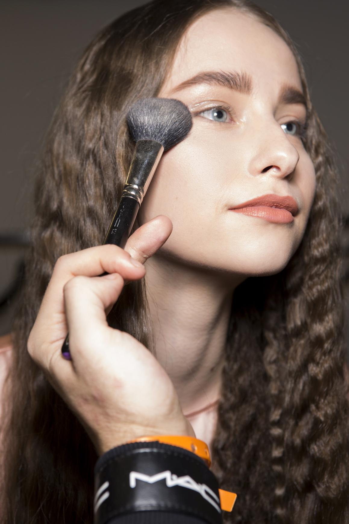 8 ошибок макияжа