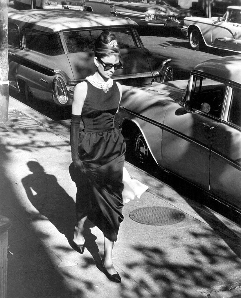 Одри Хепберн в маленьком черном платье