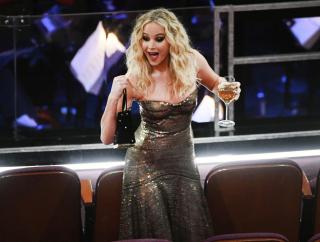 В своем репертуаре: почему все обсуждают поведение Дженнифер Лоуренс на Оскаре?