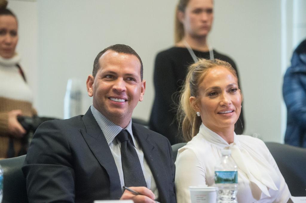Дженнифер Лопес и Алекс Родригес купили апартаменты за 15 миллионов долларов-320x180