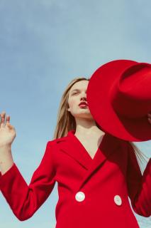 Вдохновение весны: «космическая» шляпа от Shmelevsky